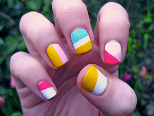 color blocking manicure