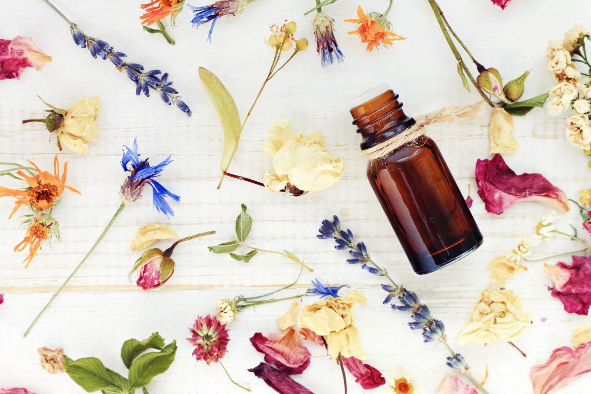 naturalne olejki do włosów i twarzy