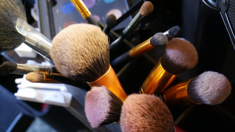 gadżety do makijażu